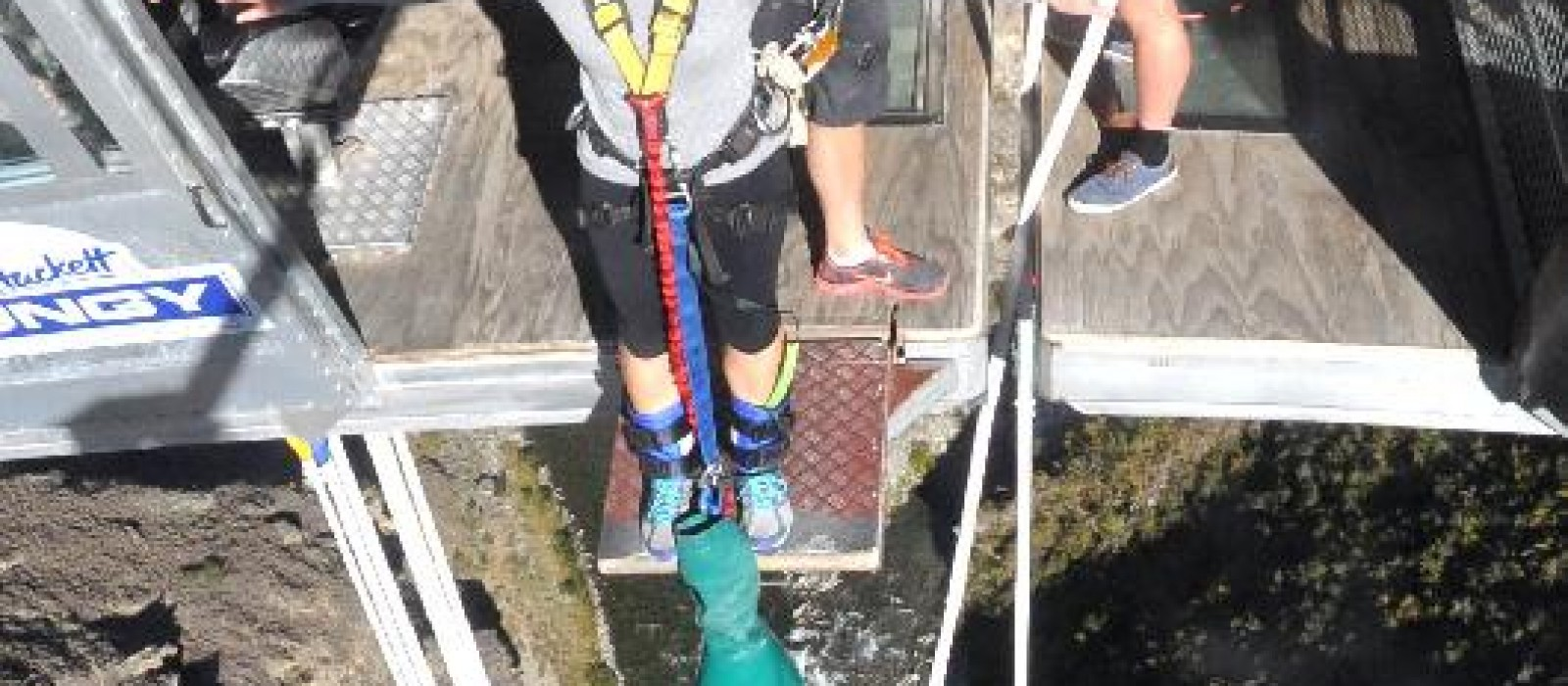 Nevis Bungy, Never Again!